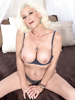 Pierced Big Tits Pics