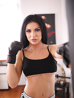 Workout Big Tits Pics